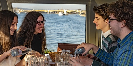 10 € Danube cruise with welcome drink tickets