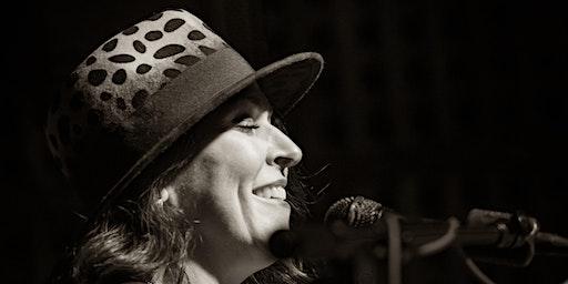 Soulful and Elegant Sounds of Laura Vida
