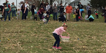Easter Egg Hunt on the Farm AGE 0-3 only 1:00 hunt time