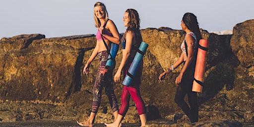 Sunrise Beach Yoga - Cascais