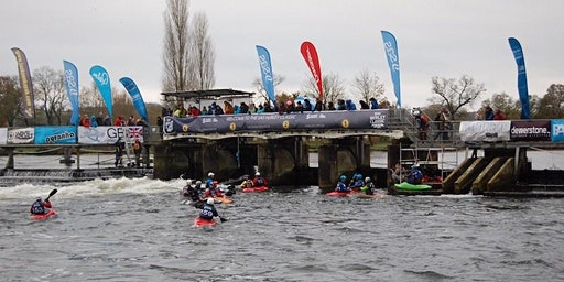 Croydon Active Paddlers attending the Hurley Paddlefest