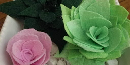 Crafting with the Belles - Fabric Flowers