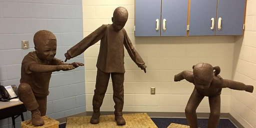Workshop - Students Sculpt with Mike Tizzano