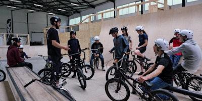 Gleis D: Komm zum BMX-Workshop für Anfänger*innen