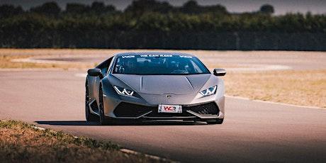 Guida una Ferrari o una Lamborghini al Circuito Santa Cecilia a Foggia biglietti