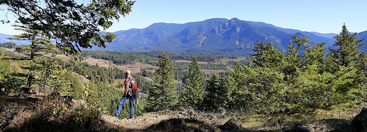 PCT to Gillette Lake and Greenleaf Overlook