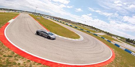 Guida una Ferrari o una Lamborghini all'Autodromo del Levante a Binetto[BA] tickets