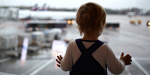 Charla sobre aviones y visita a simulador para niños con TEA