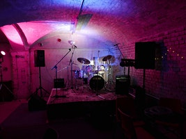 ★ Live Music @ THE HANWELL CAVERN ★