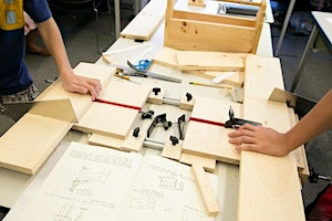 Maplewoodshop: Footstool, grades 3-6 with an adult caregiver