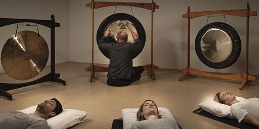 Das Gongbad in Basel (The Gong Bath) A Unique Meditation in Sound