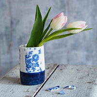 Porcelain vase workshop with decorative finish