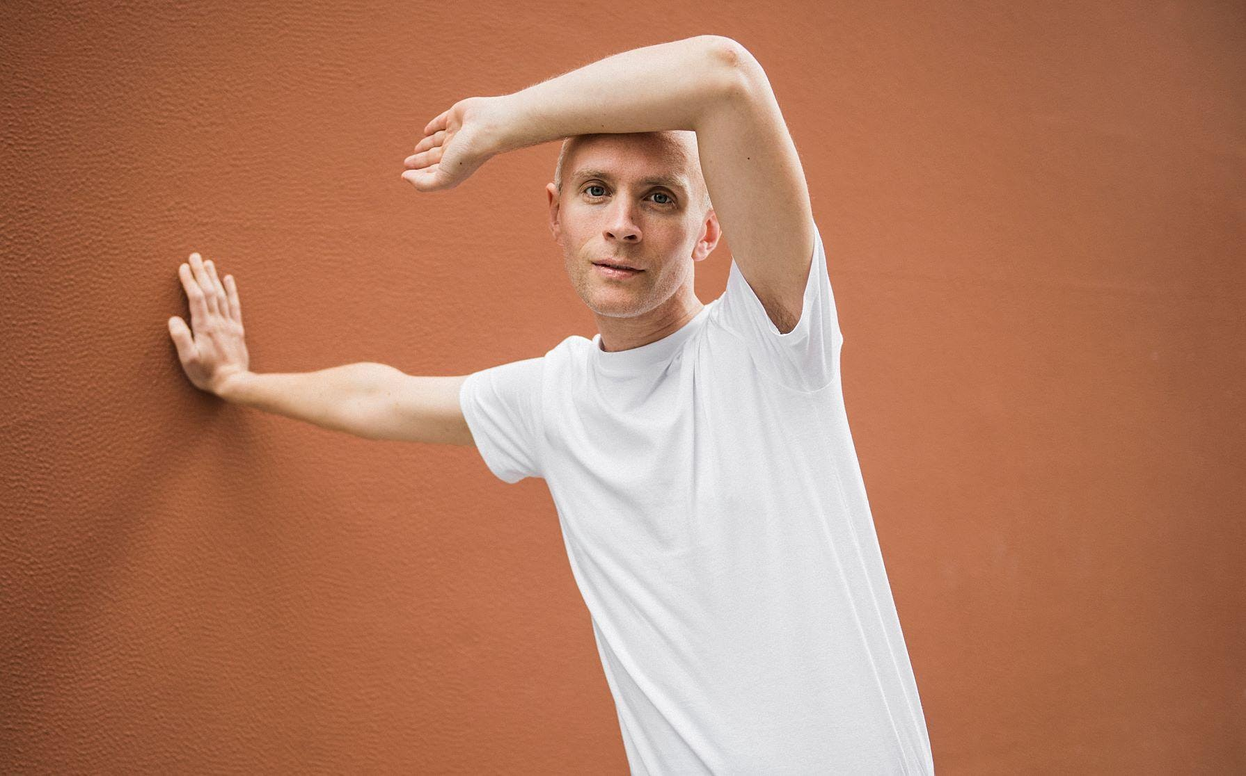 Jens Lekman with Eddy Kwon and Chicago Metamorphosis Orchestra