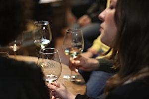 Cata de vins i caves de la bodega Carles Andreu