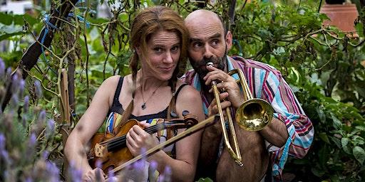 Mal Webb and Kylie Morrigan house concert at Shoal Bay (Port Stephens)