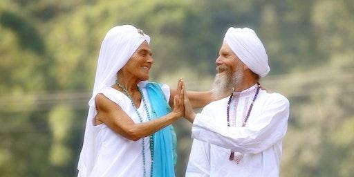 2 transformative Kundalini Yoga Workshops mit Gurmukh & Gurushabd