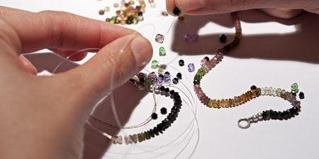 Make a beaded necklace, earrings and bracelet