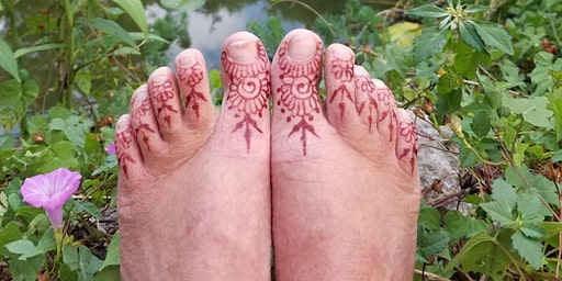 Henna 101 workshop at the LEAF festival