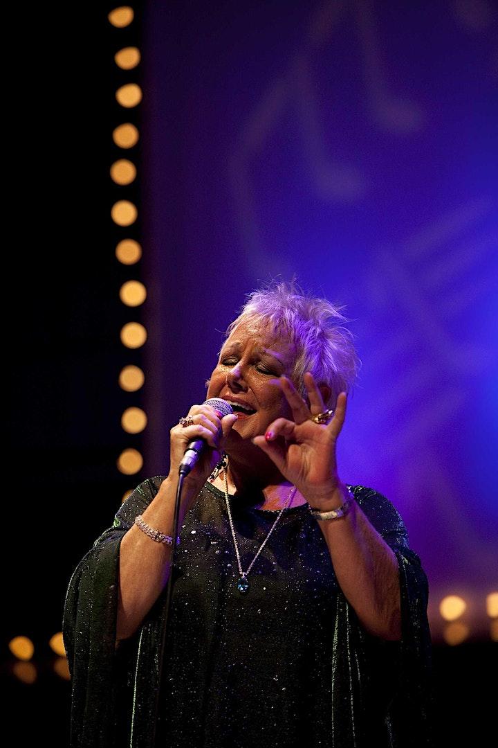 Carol Kidd image