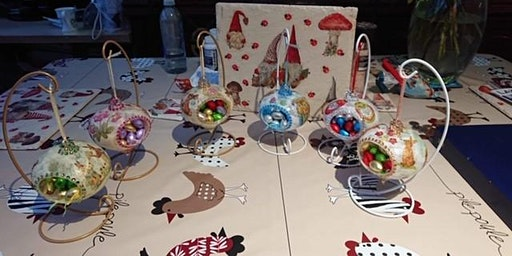 Creative Net: Decoupage Easter Baubles