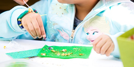St. Paddy's DIY Popsicle Puppet Crafting