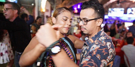 Salsa Foundations and Turns Workshop for Beginners in Houston. 02/23 tickets
