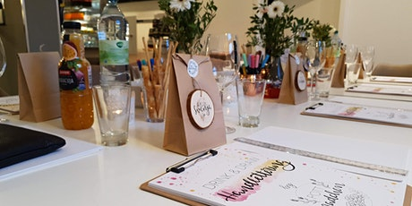 Drink & Draw: Handlettering-Workshop mit Weinverkostung Tickets