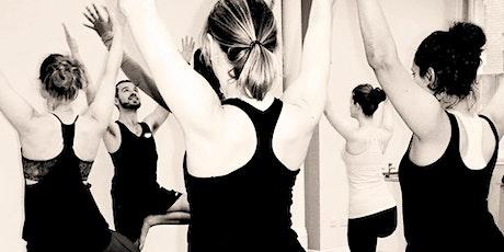 Sunday Vinyasa Flow Yoga: Live Online entradas