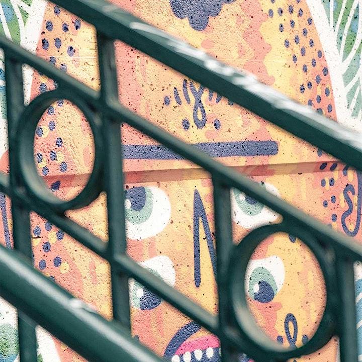 STREET ART TRIFFT JUGENDSTIL: Bild